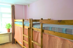 Bed in mixed six-bedded room