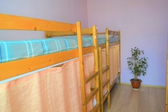 Bed in mixed eight -bedded room